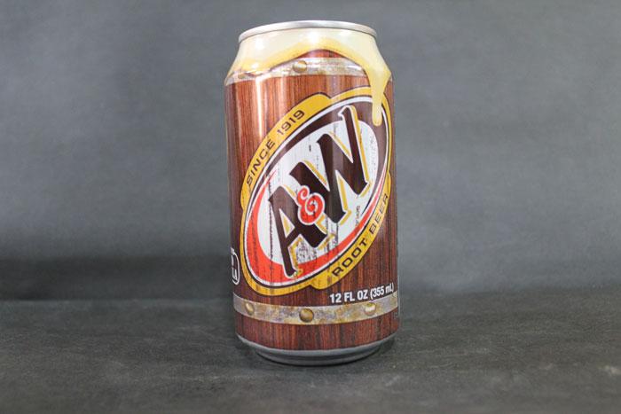 画像1: ルートビア1缶(355ml)×24缶【1ケース】 (1)